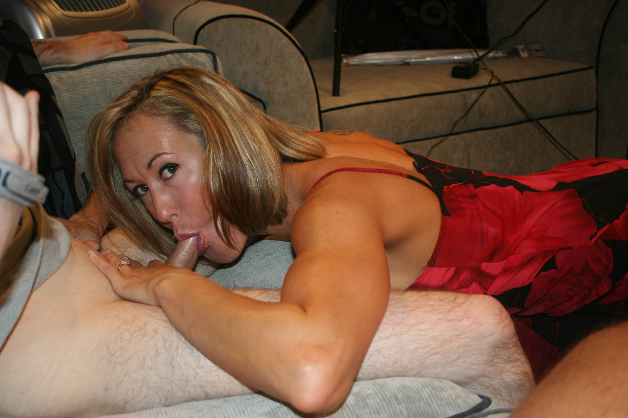 Amateur milf brandi love fucks gold vibrator for hubby
